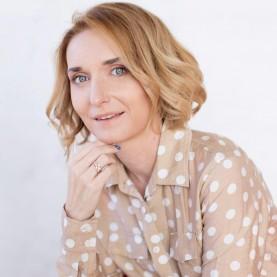 Лариса Суркова