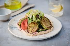 Салат с жареным кабачком