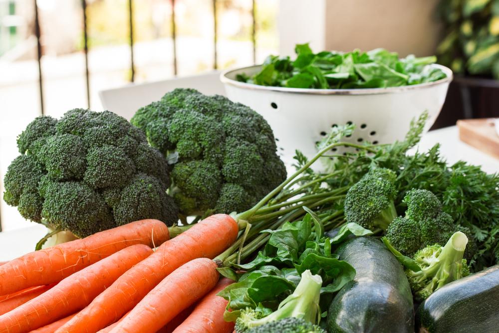 морковь, шпинат, салат