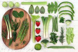 свежие зеленые овощи