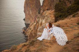 ангел возле обрыва