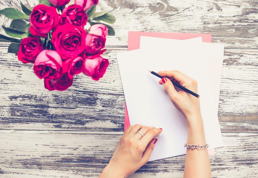 письмо и букет роз